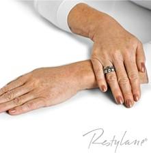 Hands after Skinboostine
