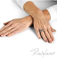 Hands before Skin Boosting
